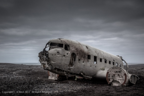 Airplane-wreckage-Iceland1